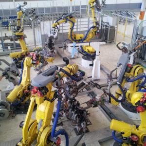 personal expermientado y coordinado para el cableado y montaje eléctrico en la instalación del cliente
