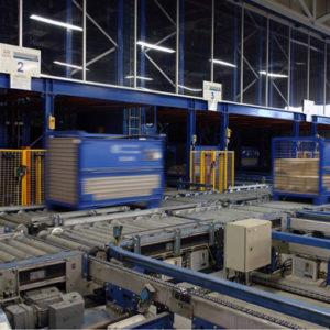 soluciones para integradores de centros logísticos y almacenes: transelecavores,transportadores, electrovías,AGVs, paternoster